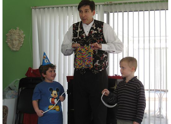 Best Charlotte Birthday Magician creating laughter and smiles